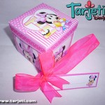 Invitación en cajita Minnie Mouse Bebe 16